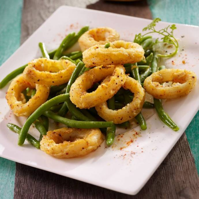 Calamars frits aux haricots verts